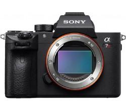 A7R III body 4K camera Sony