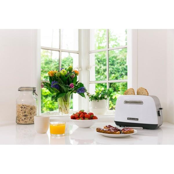 5KMT2115EOB Classic Toaster Zwart