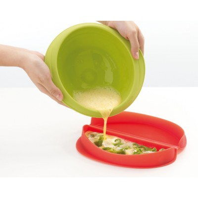 Omeletmaker voor magnetron uit silicone rood 23x10x3.5cm