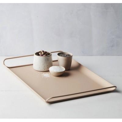 Dienblad uit metaal poederroze mat 45x29.3x3.7cm