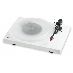 Debut Carbon RecordMaster Hires Wit + 2M Red  Pro-Ject